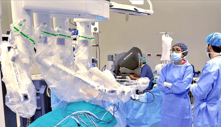 Kapali-Kalp-Ameliyati-Robotik-Cerrahi-Kucuk-Kesi-Minival-Invaziv